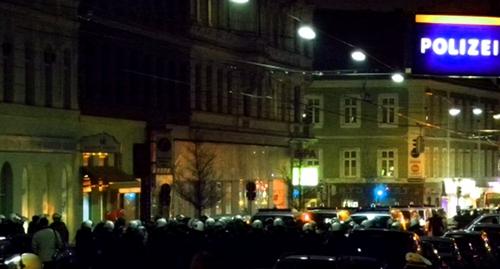 Polizeikessel - Freiheitsentzug als Mittel zur Deeskalation?