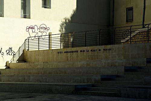 Kaputtsaniert: Place de Refuge in Marseille