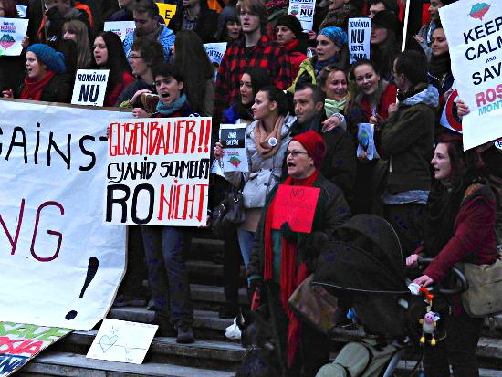 Demonstration gegen das Goldminenprojekt Roșia Montană in Wien