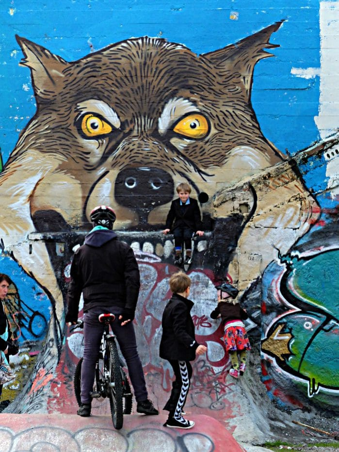 Sunday afternoon in Little Christiania, a gap site as result of the Icelandic financial crisis. (Reykjavik 2013)