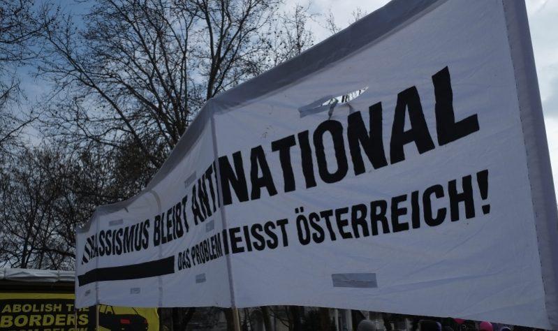 Antirassismus bleibt antinational. Das Problem heißt [bitte am reisepass nachgucken]!