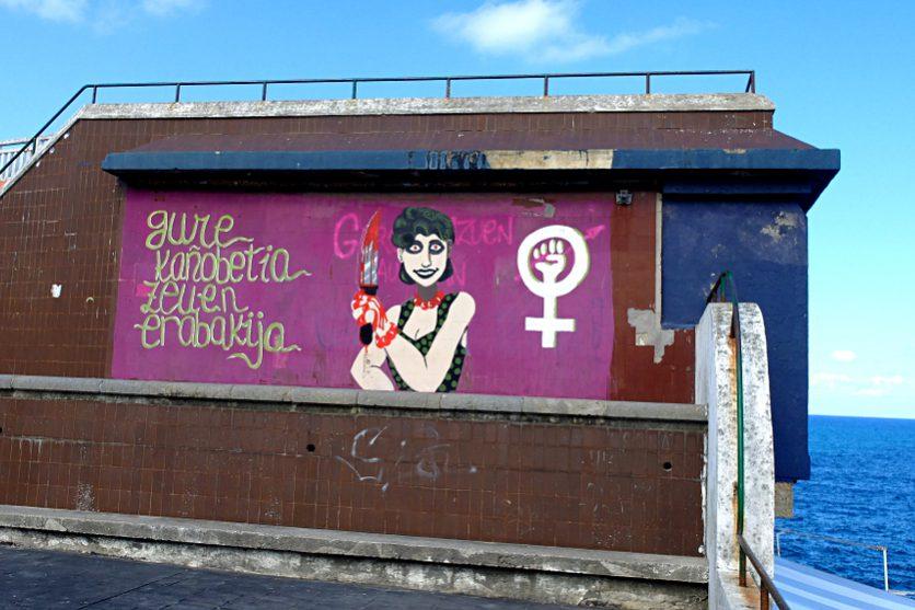 8. März Graffiti am Hafen von Lekeitio (Baskenland)