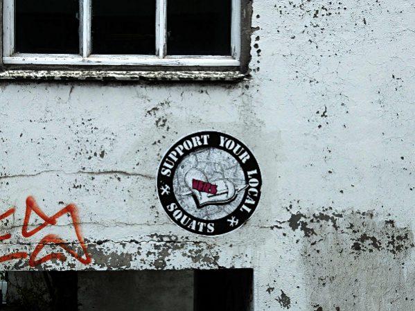 Läuft auch in Reykjavik - Support your local squats