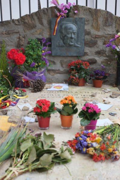 Grab des geflüchteten spanischen Dichters Antonio Machado in Collioure. Er starb wenige Tage nach seiner Ankunft am 22. Februar 1939 an Erschöpfung. Drei Tage später starb seine mit ihm geflüchtete Mutter.