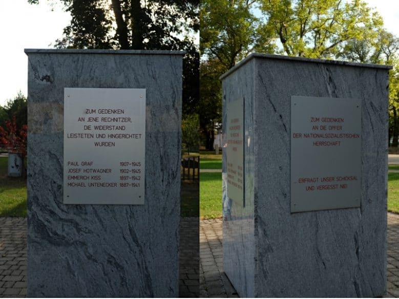Gedenkstein, mit Tafeln, die an die von den Nationalsozialist_innen ermordeten Rechnitzer Widerstandskämpfern* und den Opfern des Faschismus erinnern.