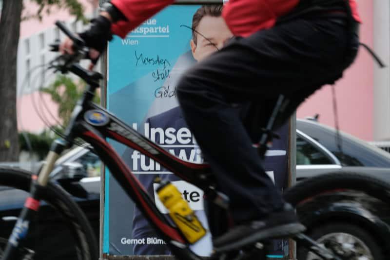 """Kommentierung eines Wahlplakats der Neuen Volkspartei Wien (ÖVP) : """"Menschen statt Geld"""""""